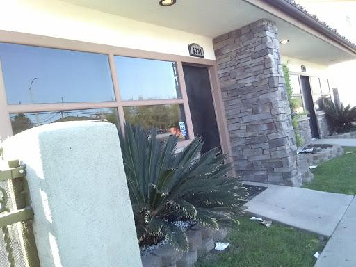 Integ Roofing Co in Long Beach, California