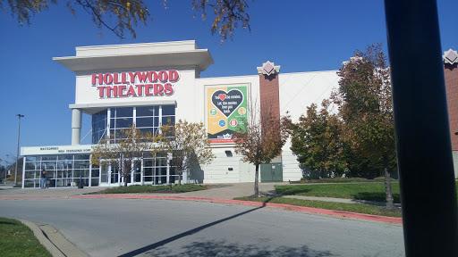 Movie Theater «Regal Cinemas Hollywood 10 - St. Joseph», reviews and photos, 5405 N Belt Hwy, St Joseph, MO 64506, USA