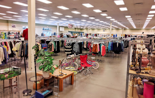 Goodwill Retail Store & Donation Center, 3020 N Westmoreland Rd, Dallas, TX 75212, USA, Thrift Store