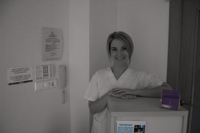 imagen de masajista CLÍNICA AEC, Fisioterapia y Rehabilitación