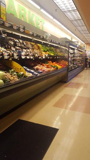 Grocery Store «Hannaford Supermarket», reviews and photos, 150 Bridge St, Pelham, NH 03076, USA