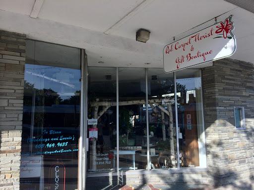 Red Carpet Flower Shop, 56 Main St, Durham, NH 03824, USA,
