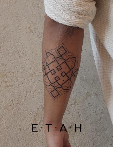 Tattoo Piercing E.T.A.H