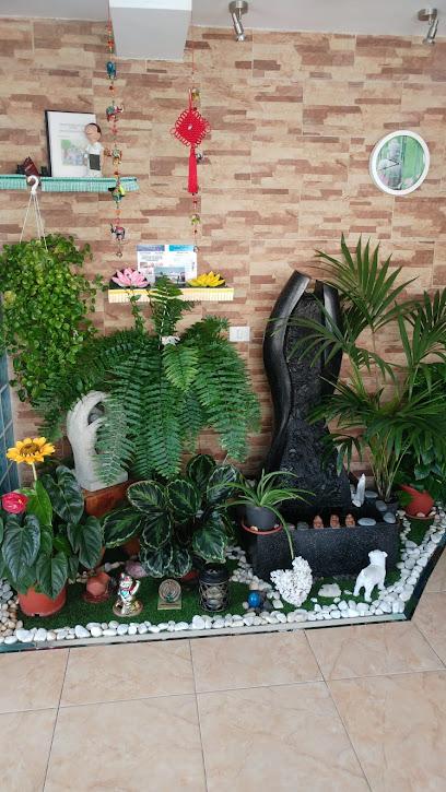 imagen de masajista Centro de masaje y motricidad infantil CARRIZAL