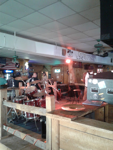 Bar & Grill «Route 61 Roadhouse», reviews and photos, 449 Woodlawn Ave, Sunbury, PA 17801, USA