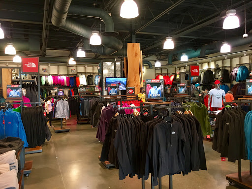 half off 3f95f 0790d Clothing Store «The North Face Outlet», reviews and photos ...