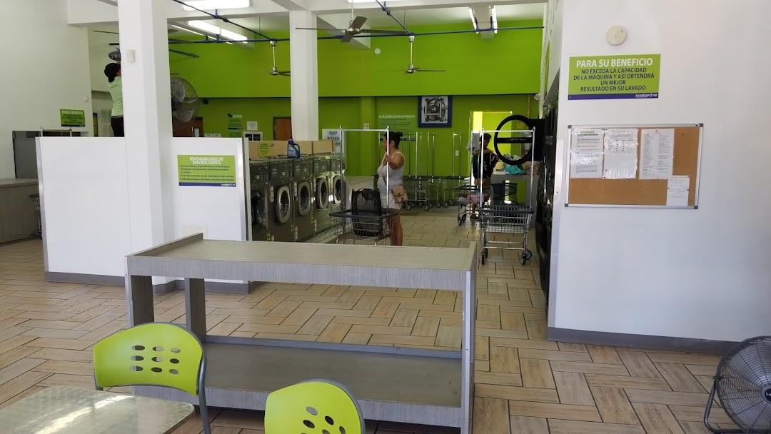 Inside of the Lavanderiapr.com laundromat
