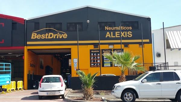 Alexis, Neumáticos y Servicios