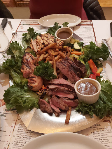 Hotel Stephanie's Grill and Bar in Hawkesbury (ON) | CanaGuide