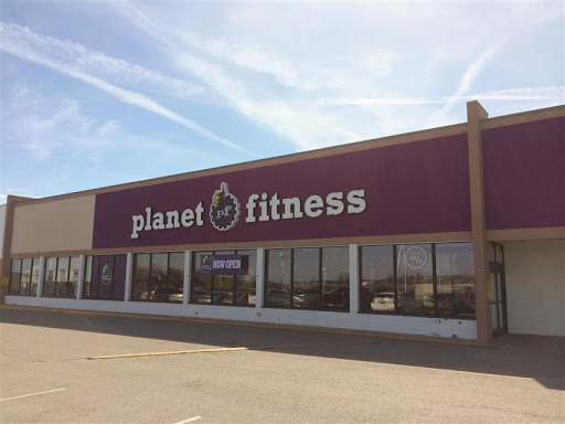 Gym Planet Fitness Reviews And Photos 1751 Scottsville Rd Bowling Green Ky 42104 Usa