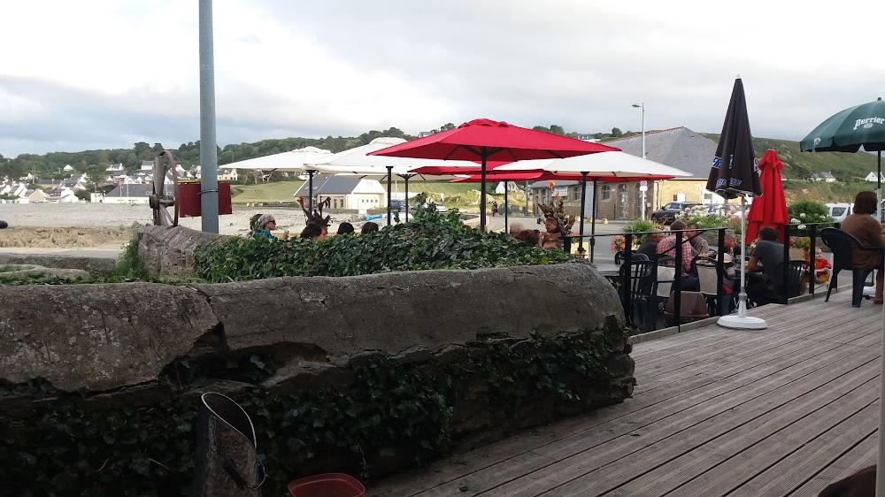 photo du resaurant Le Café du Port