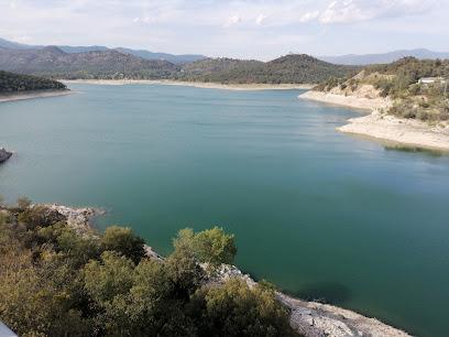 Darnius Lake