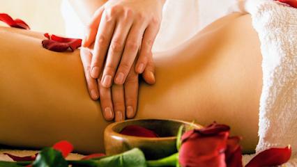imagen de masajista Sitges Osteobalance Sauna