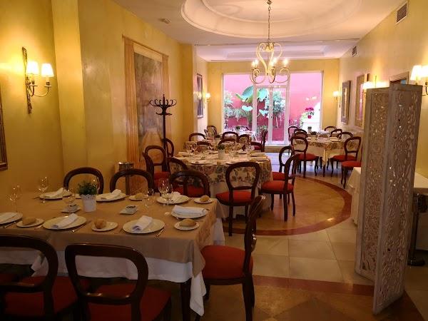 Alboroque ,Tapas, Bar Restaurantes