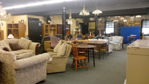 New Visions Thrift Store, 321 16th Ave, Council Bluffs, IA 51503, USA, Thrift Store