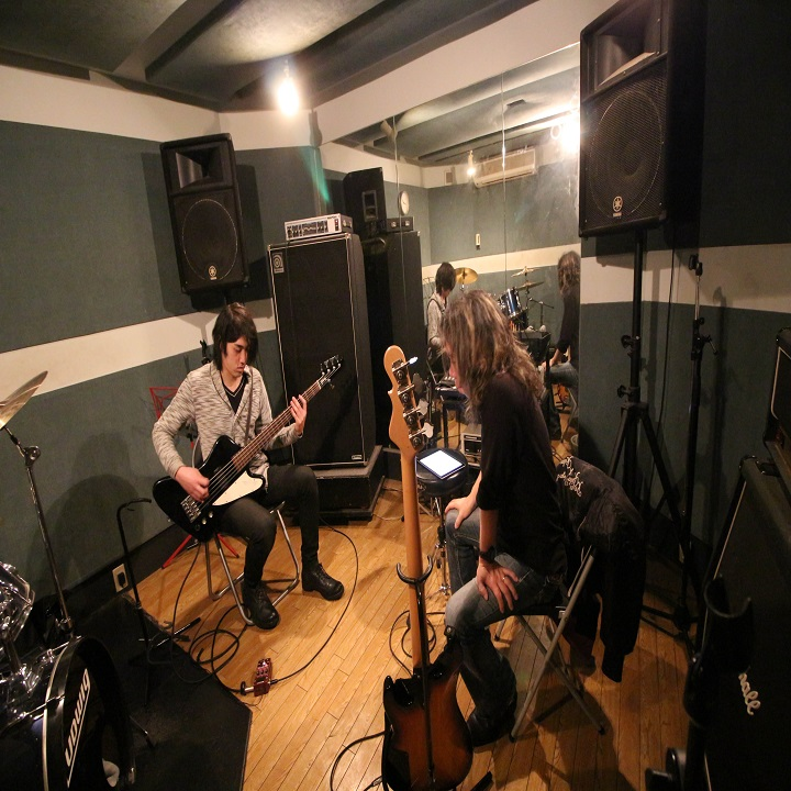 ROCKSTAR MUSIC SCHOOL