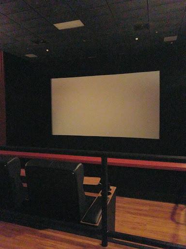 Movie Theater «Regal Cinemas Ronkonkoma 9», reviews and photos, 565 Portion Rd, Ronkonkoma, NY 11779, USA