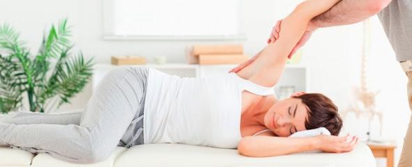 imagen de masajista Natursalud. Centro de Fisioterapia y Dietética