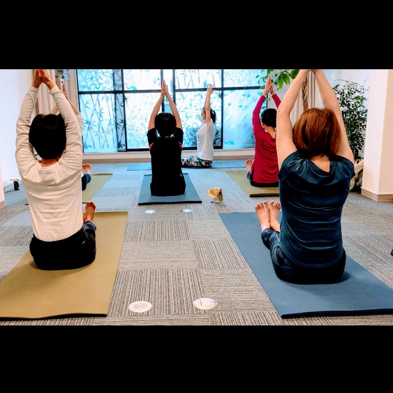 都島ヨガスタジオ yoga asmi(ヨガ アスミ)