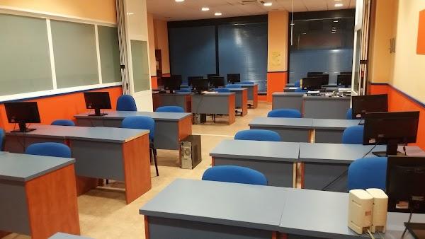 Academia Formaguada