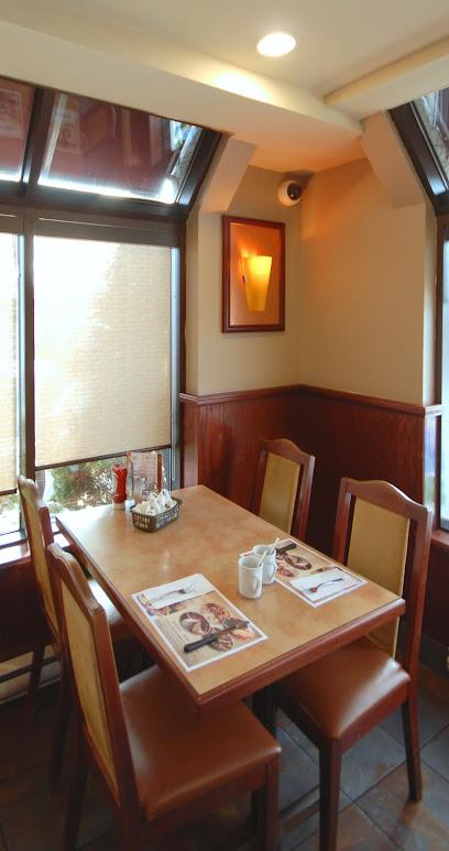 BBQ Mirabel - Breakfast - Pizza Burgers Steak Smoked Meat - Wine Cocktails - Salle de Reception