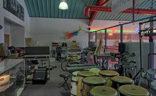 Beach City Pawn and Discount Guitar, 17827 Beach Blvd, Huntington Beach, CA 92647, Pawn Shop
