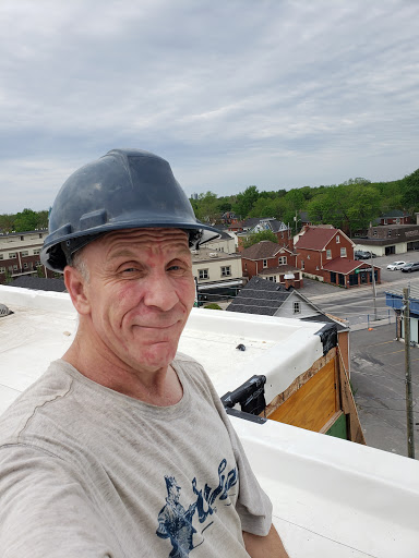 Toiture Ubdegrove Roofing & Renos à Seeley's Bay (ON) | LiveWay