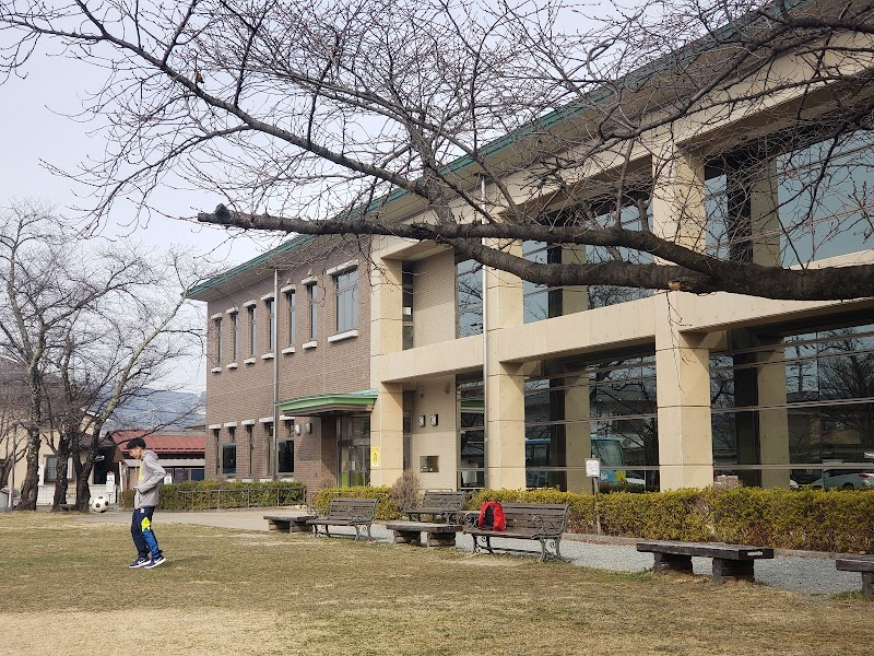 下諏訪図書館 (長野県下諏訪町清水町 図書館 / 図書館) - グルコミ