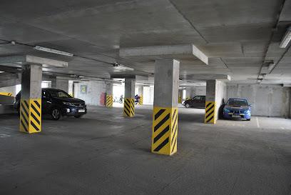 Автомобильная стоянка «AERO-ПАРКОВКА» возле аэропорта Пулково