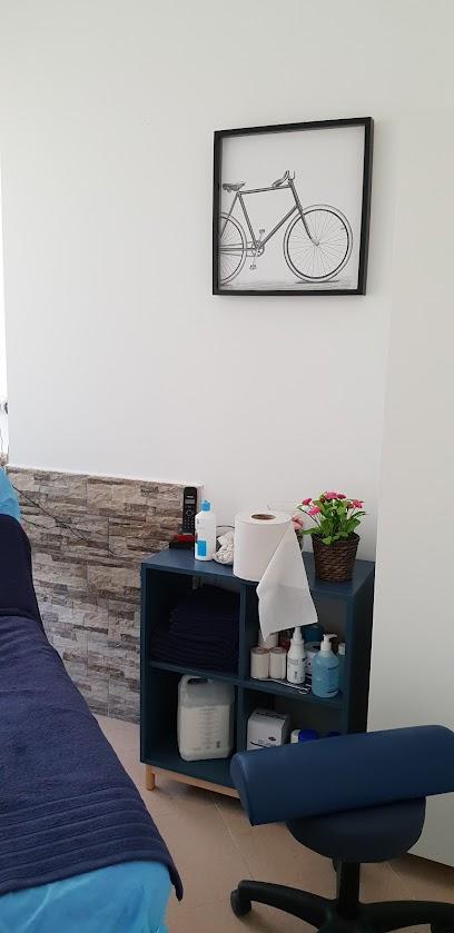 imagen de masajista MOVE. Fisio&Fit Studio