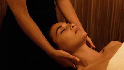 imagen de masajista Olinao masajes en Chamberi