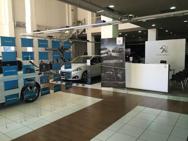 Auto Almogvers  Concesionario Peugeot Barcelona Poble Nou