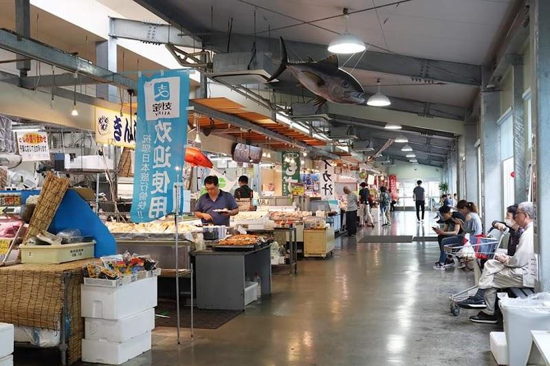 糸滿魚市場 停車場