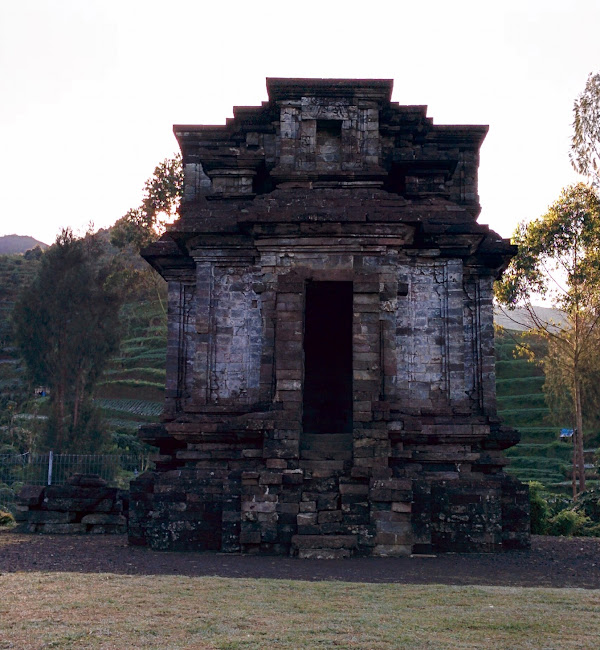 5 Tempat Wisata Candi Di Dieng Yang Sangat Terkenal