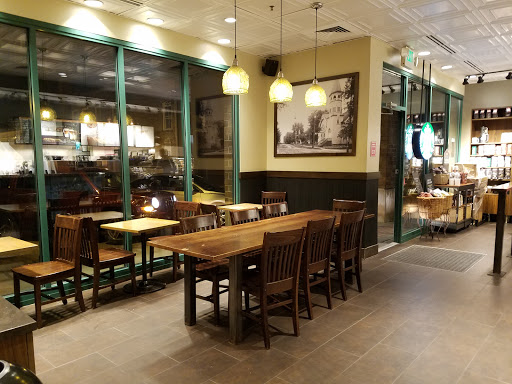 Coffee Shop «Starbucks», reviews and photos, 40 N Williams St a, Crystal Lake, IL 60014, USA