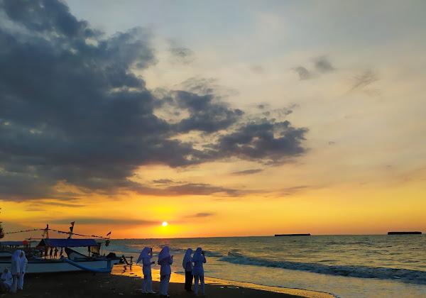 Pantai Batam Sari