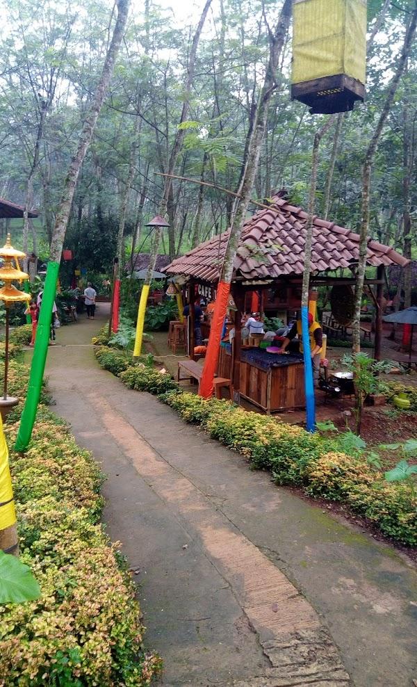 Pasar Karetan - Radja Pendapa Camp