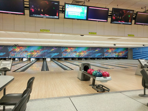 Bowling Alley Brunswick Zone Woodridge Reviews And Photos 1555