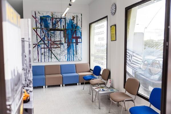 Centro De Reconocimiento Médico a Conductores Guajara