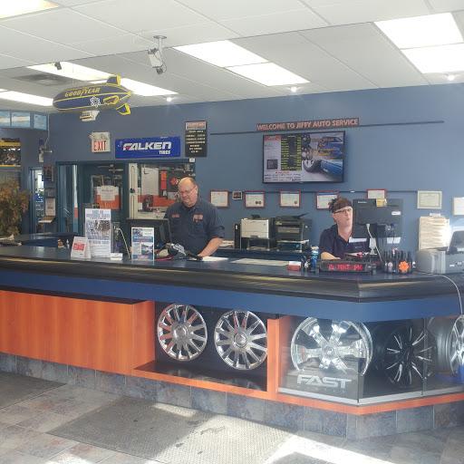 Changement huile Jiffy Auto Service à Cornwall (ON) | AutoDir