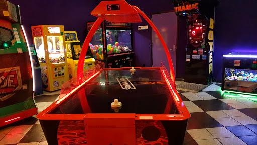 Movie Theater «Cinemark Movies 16», reviews and photos, 323 Stoneridge Ln, Gahanna, OH 43230, USA