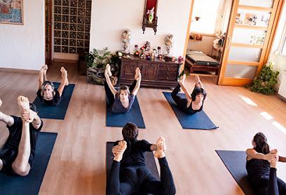 imagen de masajista Yoga Veda