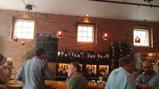 5 Walnut Wine Bar