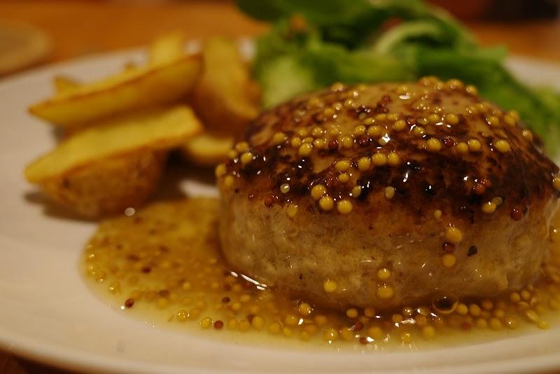 ポークハンバーグと小皿料理 Ellisse