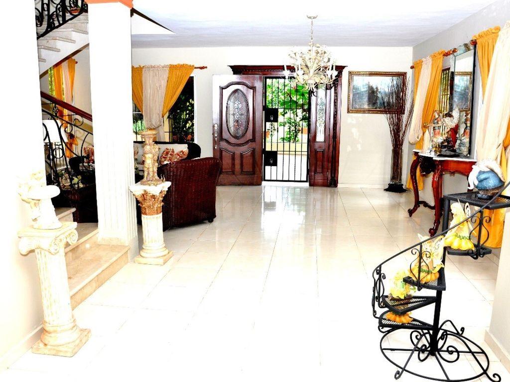 Villa De Las Hortensias 17