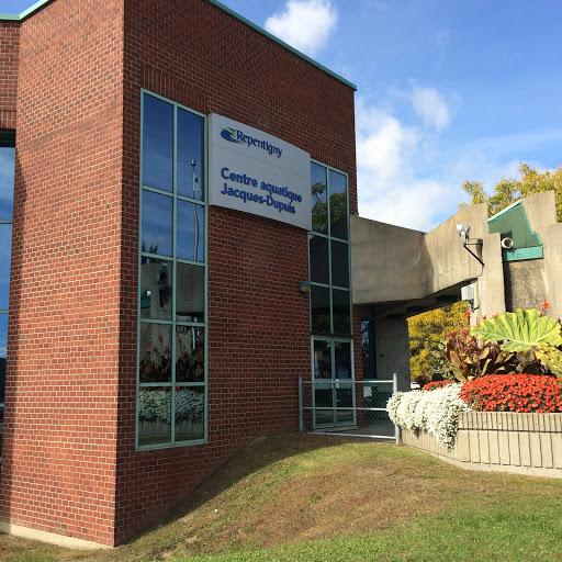Swimming Pool Jacques Dupuis Aquatic Center in Repentigny (Quebec)   CanaGuide