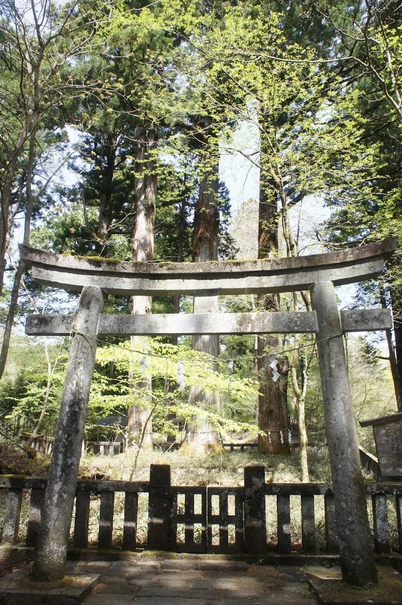 滝尾神社 楼門