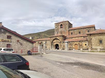 Colegiata de Santa María de Arbas