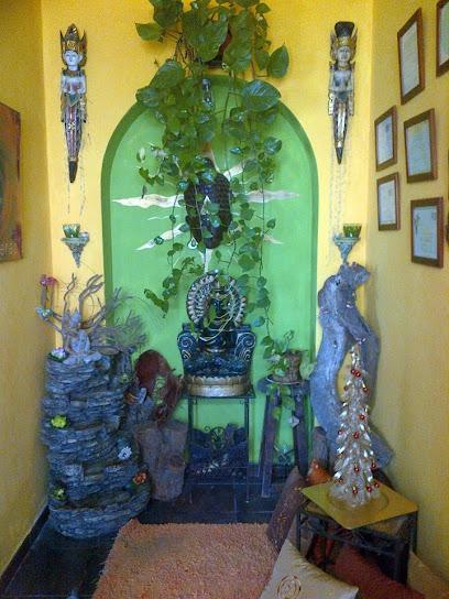 imagen de masajista Centro de Masajes Terapeuticos Valeang