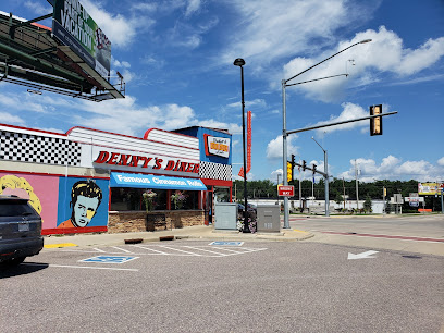 experience-wisdells-where-to-eat-dennys-diner